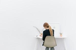 woman-journalling